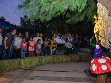 Disfrutan más de 47 mil personas primer día del 'Bosque Encantado'.