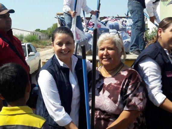 Lleva Gobierno de Tamaulipas y DIF Tamaulipas apoyo a damnificados por lluvias en Nuevo Laredo.