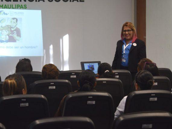 Recibe personal de Seguridad Pública en taller de igualdad de género.
