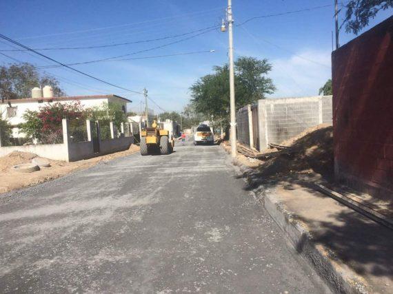 Beneficia pavimentación a vecinos de la calle Sonora.
