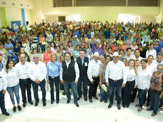 Benefician apoyos sociales del Gobierno de Tamaulipas a familias de San Fernando.