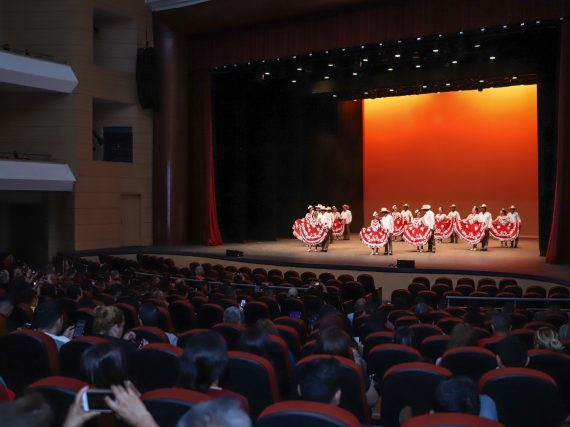 El evento reunió a bailarines de 30 agrupaciones de distintas academias y escuelas de danza.