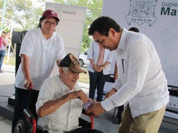 """Lleva alcalde Mario López beneficios a familias, a través del programa """"Bienestar en tu colonia"""""""
