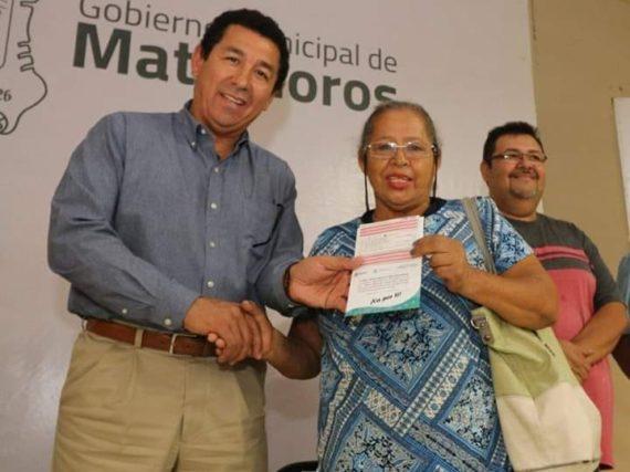"""Con éxito clausura alcalde Mario López """"Bienestar en tu Colonia"""" en la colonia centro de Matamoros"""