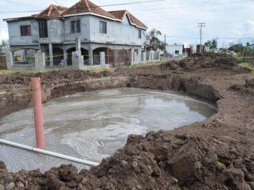 COMPAÑÍA CONSTRUCTORA OCASIONA LA FORMACIÓN DE ENORME SOCAVÓN EN LA COLONIA PRADO SUR,
