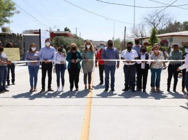 Inauguró Maki Ortiz otra calle en la colonia Arboledas Ribereña